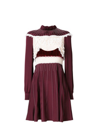 Vestido de vuelo con adornos burdeos de Valentino
