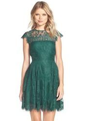 Vestido de vuelo de encaje verde de BB Dakota
