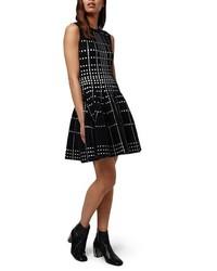 Vestido de vuelo de punto negro de Topshop