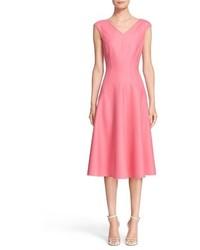 Vestido de vuelo de seda rosado de Michael Kors