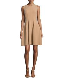 Vestido de vuelo marrón claro de Michael Kors