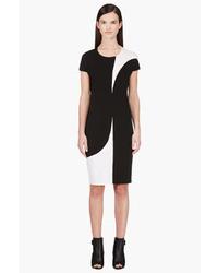 Vestido en negro y blanco de Calvin Klein