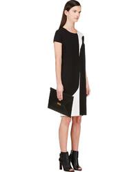 En Blanco Negro Lookastic Klein Vestido Y 850 De Calvin Ssense TSHq7wx