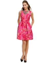 Vestido estampado com rosa