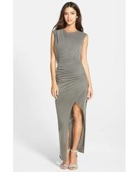 Vestido largo con recorte gris