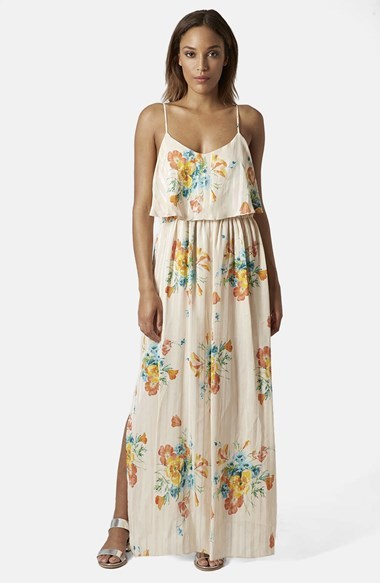 Vestidos largos beige con flores