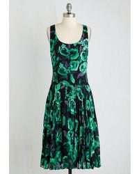 Vestido midi con print de flores verde oscuro