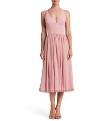 Vestido midi de gasa rosado