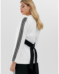 Paper Dolls Blazer With Contrast In White