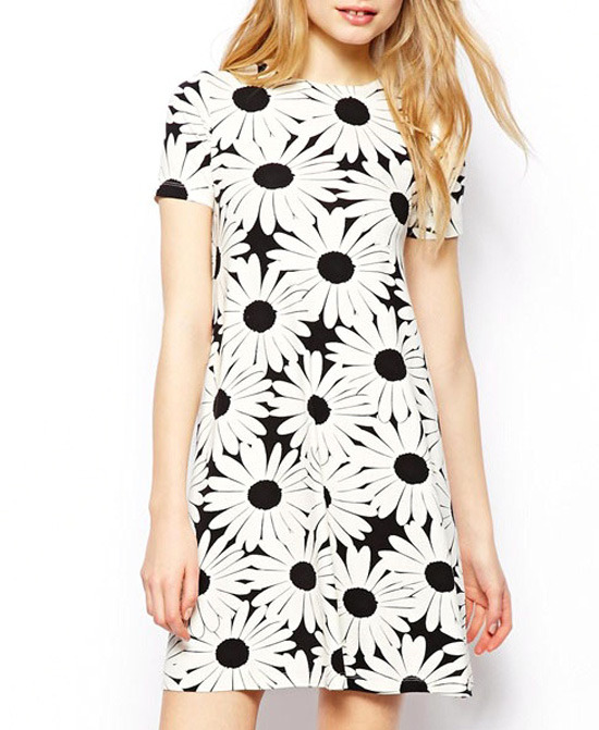 785fdeeb6a73 ... White and Black Floral Skater Dresses ChicNova Daisy Print Short  Sleeves High Waist Dress ...