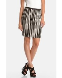 White and Black Geometric Pencil Skirt