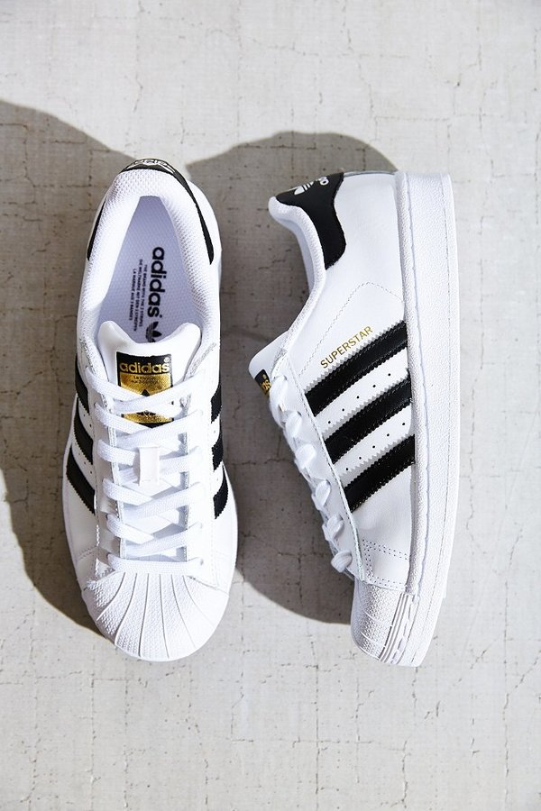 adidas superstar negro blanco outfit