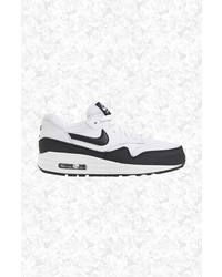 Nike Air Max Essential Sneaker