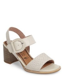 Danni block heel sandal medium 5254100