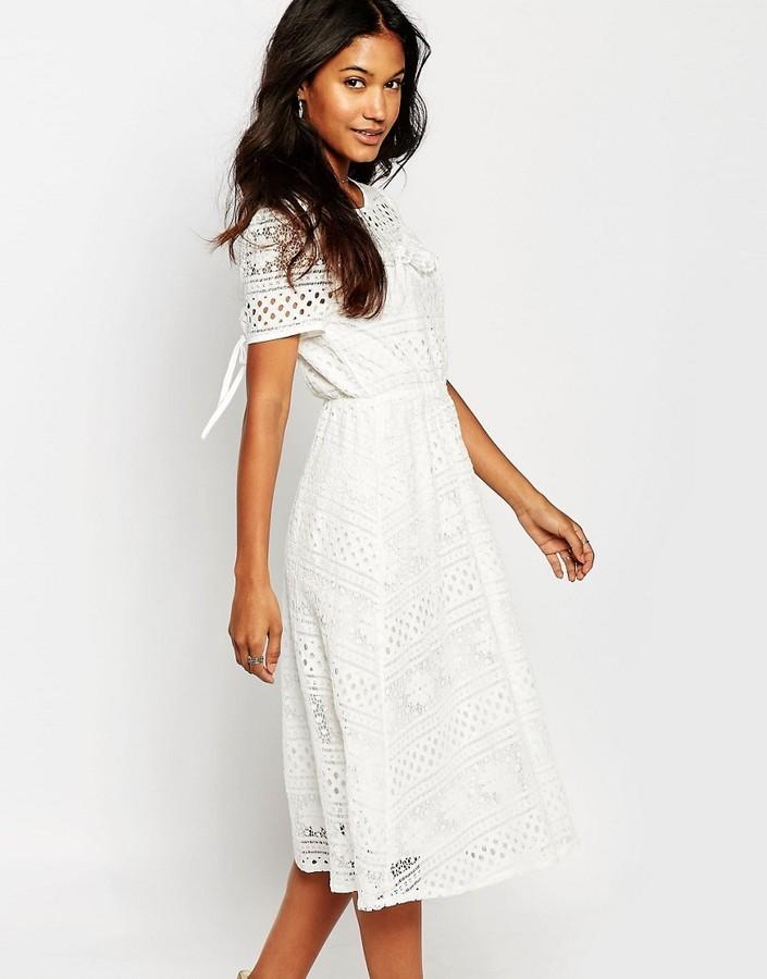 Robe guipure blanche boohoo