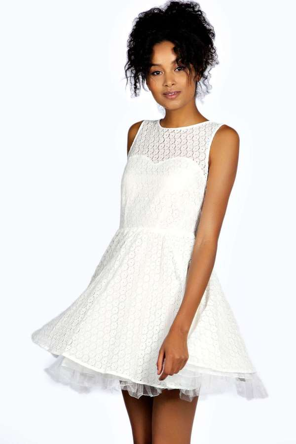 Boohoo Iris Floral Lace Prom Dress | Where to buy & how to wear