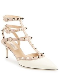 Rockstud pointy toe pump medium 3751681
