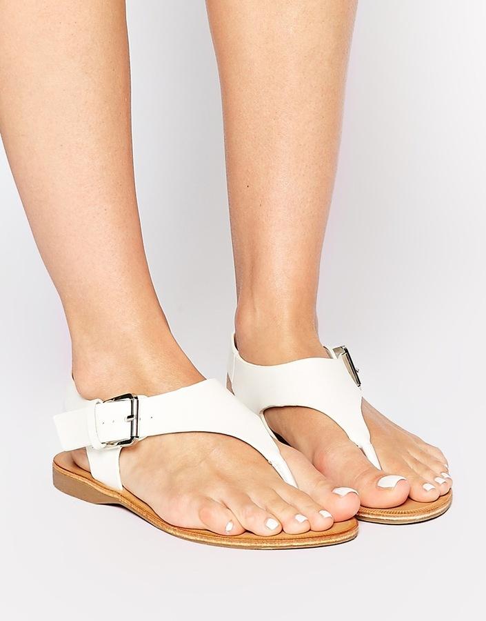 ... Daisy Street White Thong Flat Sandals ...