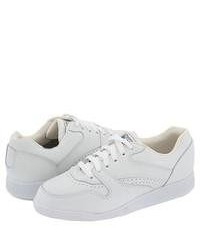 White low top sneakers original 3694534