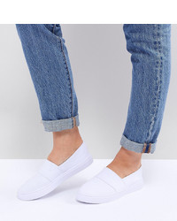 ASOS DESIGN Dodger Wide Fit Plimsolls
