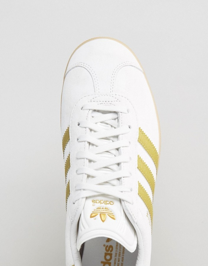 Originals Gazelle Sneakers In White Bb5495