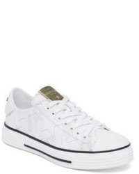 Valentino Garavani Valentino Star Leather Low Top Sneakers