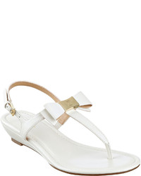 54cf9890b313 Liz Claiborne Yumma Bow Thong Sandals