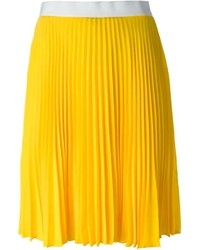 How to Wear a Yellow Pleated Midi Skirt (9 looks) | Women's Fashion