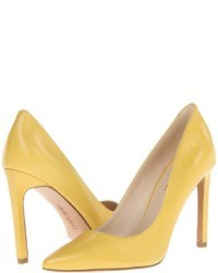 Yellow pumps original 1632543