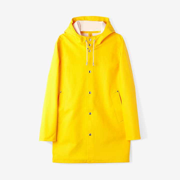Stutterheim Stockholm Raincoat | Where to buy & how to wear