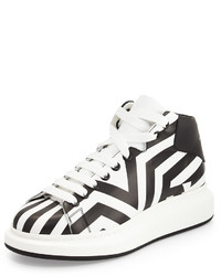Zapatillas altas en blanco y negro de Alexander McQueen