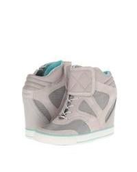 Zapatillas con cuña de ante grises