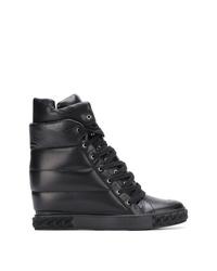 Zapatillas con cuña de cuero negras de Casadei