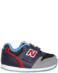 Zapatillas de cuero azul marino de New Balance