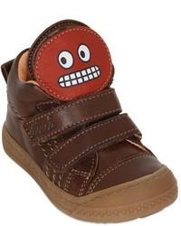 Zapatillas de cuero en marrón oscuro