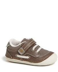 Zapatillas de cuero en marrón oscuro de Stride Rite