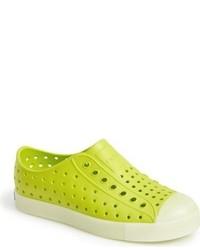 Zapatillas de goma en amarillo verdoso de Native