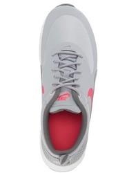 Zapatillas grises de Nike