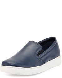 Zapatillas slip-on de cuero azul marino de Prada