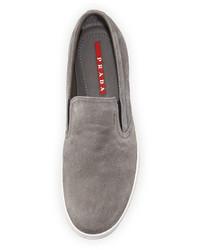 Zapatillas slip-on grises de Prada