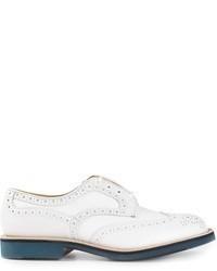 Zapatos brogue de cuero blancos