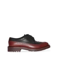 Zapatos brogue de cuero burdeos de Burberry