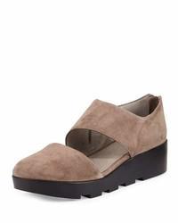Zapatos con cuña de ante marrón claro de Eileen Fisher