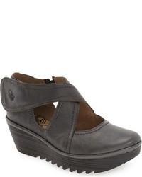 Zapatos con Cuña de Cuero en Gris Oscuro de Fly London