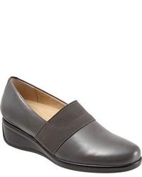 Zapatos con Cuña de Cuero en Gris Oscuro de Trotters