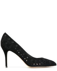 Zapatos de tacón de ante con adornos negros de Oscar de la Renta