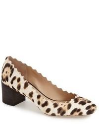 Zapatos de tacón de ante de leopardo en beige de Chloé