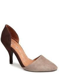Zapatos de tacón de ante marrónes