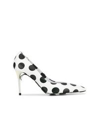 Zapatos de tacón de cuero a lunares en blanco y negro de Maison Margiela