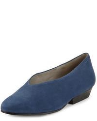 Zapatos de tacón de cuero azul marino de Eileen Fisher